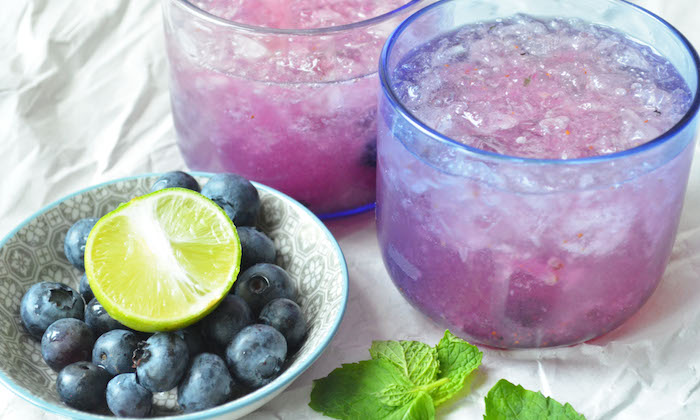 blueberry fizz cocktail